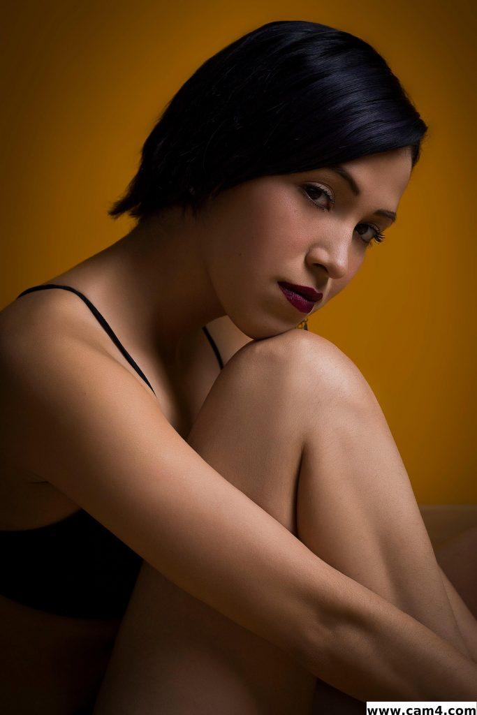 Entrevue avec la belle latine Mila_escobar
