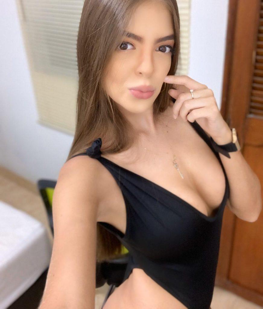 AvrilSaenz, la Performance Sexy de la Semaine sur CAM4